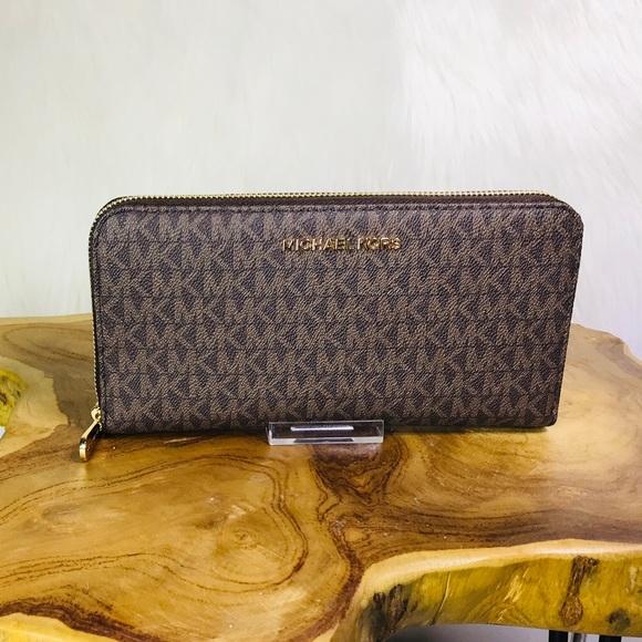 6093ab93b41f Michael Kors Bags | Jet Set Travel Large Leather Wallet | Poshmark